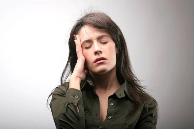 O czym może świadczyć ból głowy i mdłości?