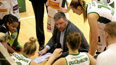 Trener Krzysztof Szewczyk buduje zespół Pszczółki na nowy sezon