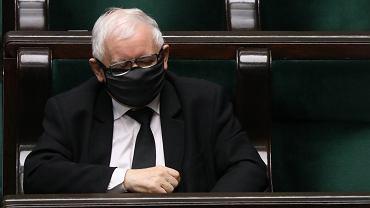 Prezes partii rządzącej Jarosław Kaczyński podczas 24. posiedzenia Sejmu X kadencji. Warszawa, 17 grudnia 2020