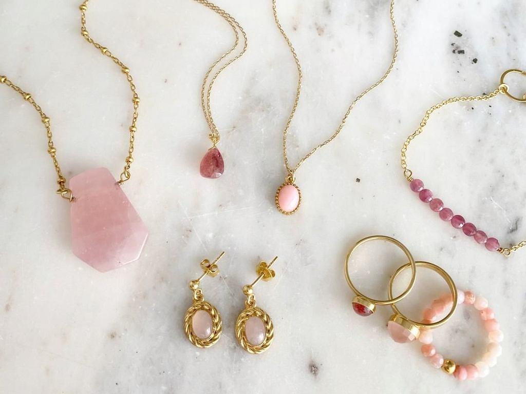 696 Jewelery