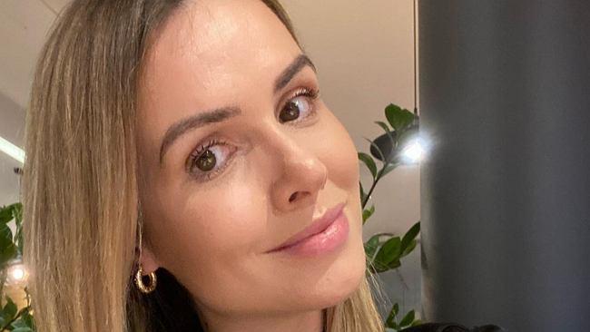Marta Żmuda Trzebiatowska wspomina studniówkę: Pierwszy chłopak i zabawa do białego rana. Pokazała, jak wyglądała 17 lat temu