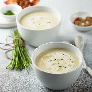 Krem z białych szparagów to lekka wiosenna zupa - w sam raz na uroczysty wielkanocny obiad