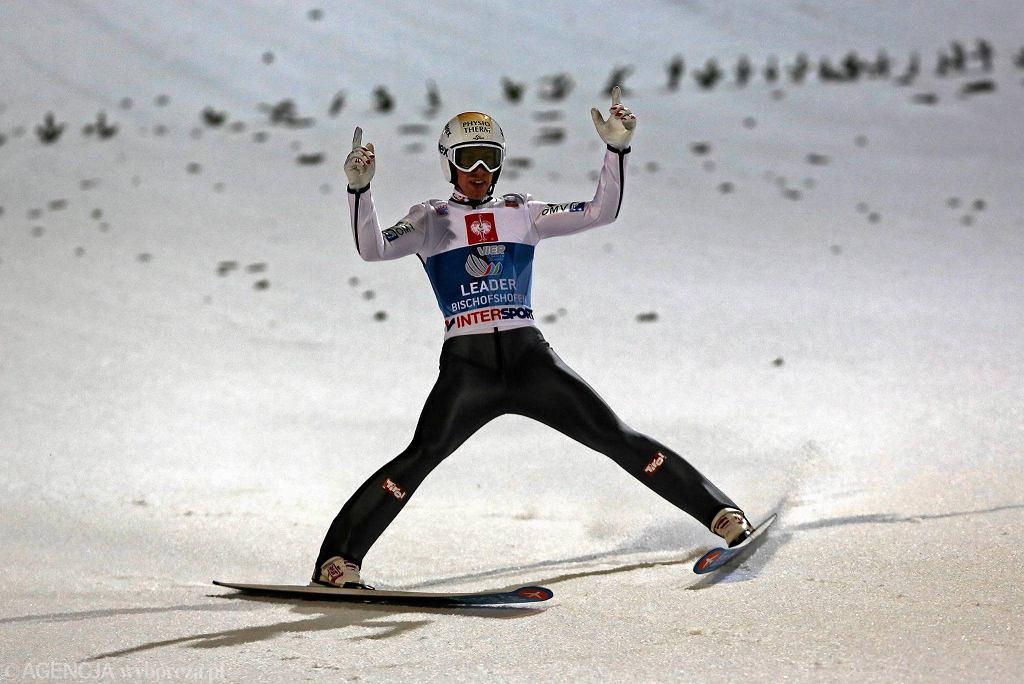Thomas Diethart podczas konkursu skoków w Turnieju Czterech Skoczni . 6 styczeń 2014 , Bischofshofen , Austria