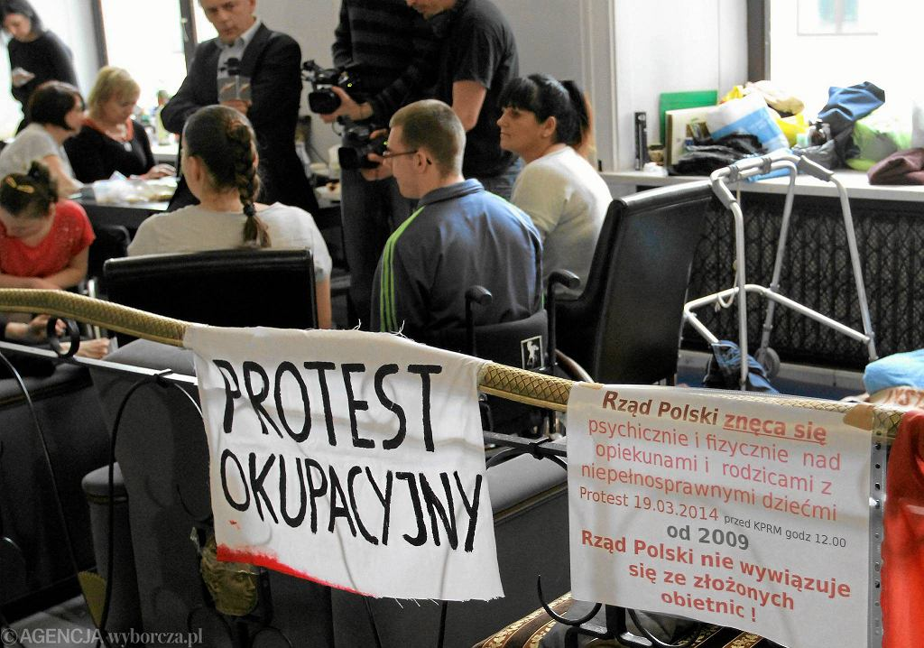 Protest ws. osób niepełnosprawnych w Sejmie