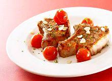 Medaliony cielęce na pikantnych pomidorach - ugotuj