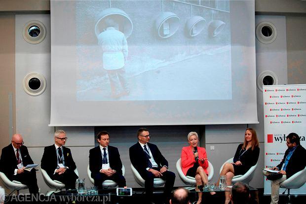 Uczestnicy debaty dyskutowali o wpływie biznesu na rozwój Dolnego Śląska w ostatnim 30-leciu