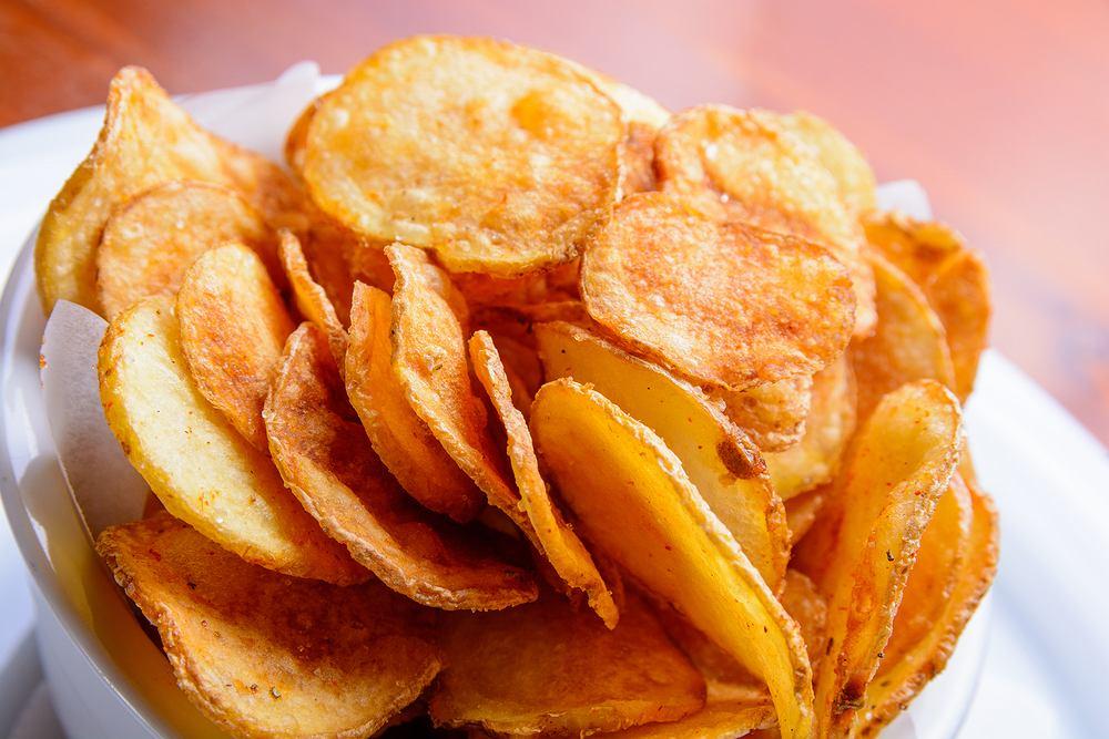 Klasyczne chipsy z ziemniaków