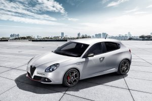 Salon Genewa 2016 | Alfa Romeo Giulietta FL | Włosi poszli na łatwiznę