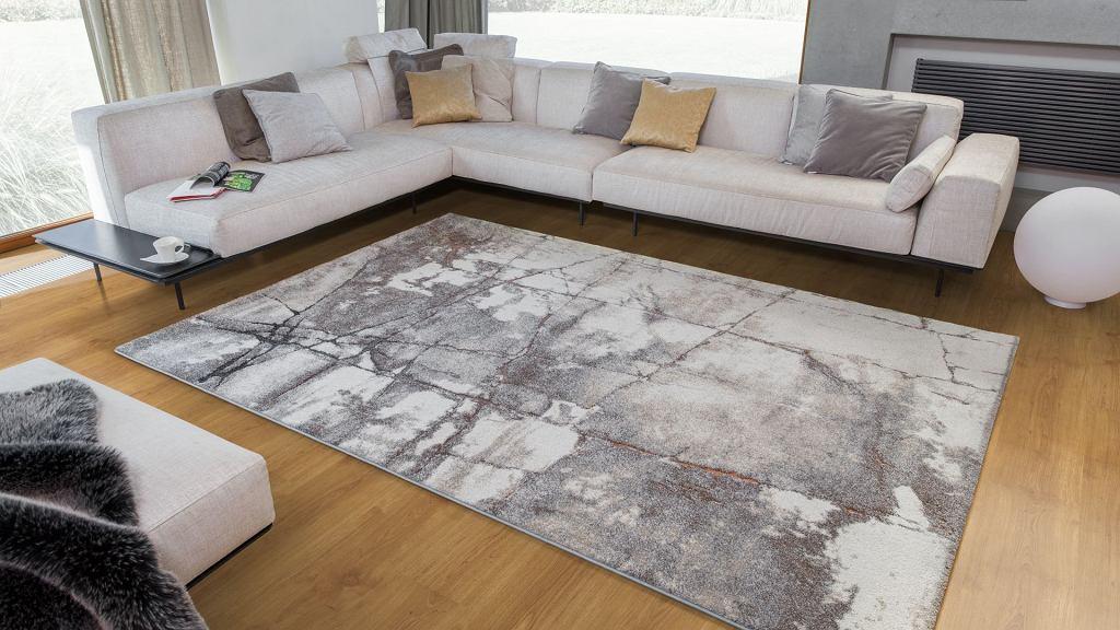 Komfort: dywany w kolorach ziemi