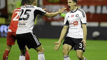 Tomasz Jodłowiec cieszy się z gola z Widzewem