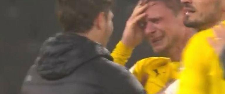 Łukasz Piszczek nagle dostał ataku płaczu. Błagalne apele niemieckich kibiców [WIDEO]