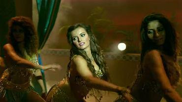 Natalia Janoszek w 'Mera Sufi Ishq | Chicken Curry Law | Natalia Janoszek & Ganesh Pai | Shalmali Kholgade'