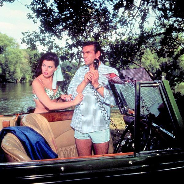 W 'Pozdrowieniach z Rosji' z 1963 r. James Bond miał telefon w aucie. W tym czasie to rozwiązanie już istniało. Tyle że mało kto mógł sobie na nie pozwolić.