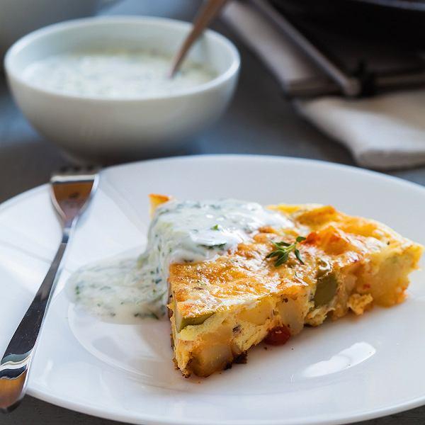 Tortilla po swojsku, czyli z warzywami i oscypkiem