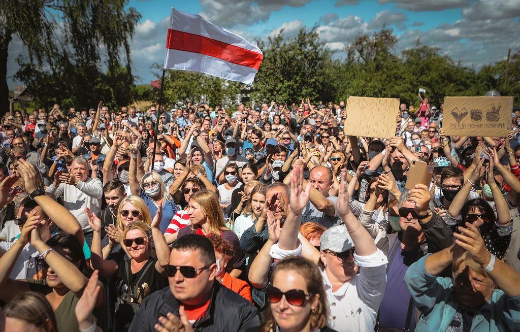 Tysiące osób na pikietach na rzecz głównej rywalki Aleksandra Łukaszenki