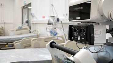 Szpitalny oddział covidowy (zdjęcie ilustracyjne)
