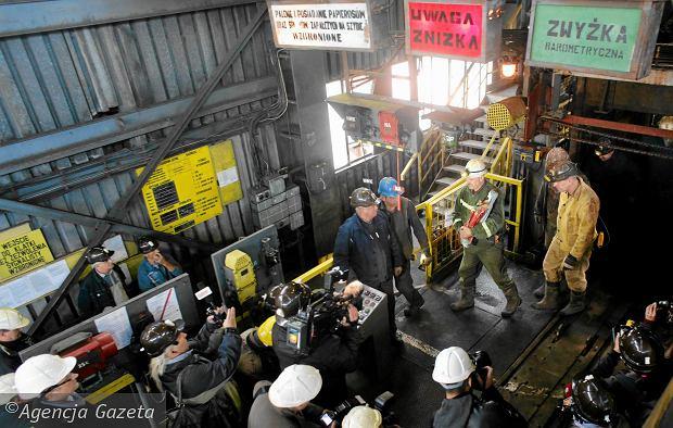 Emerytowani górnicy się niecierpliwią. Czekają na wypłatę deputatów węglowych