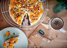 Tort z ricotty na spodzie z pumpernikla - na zimno - ugotuj