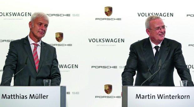 Matthias Muller i Martin Winterkorn w 2012 roku