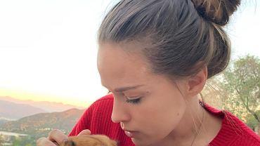 Alicja Bachleda-Curuś z psem
