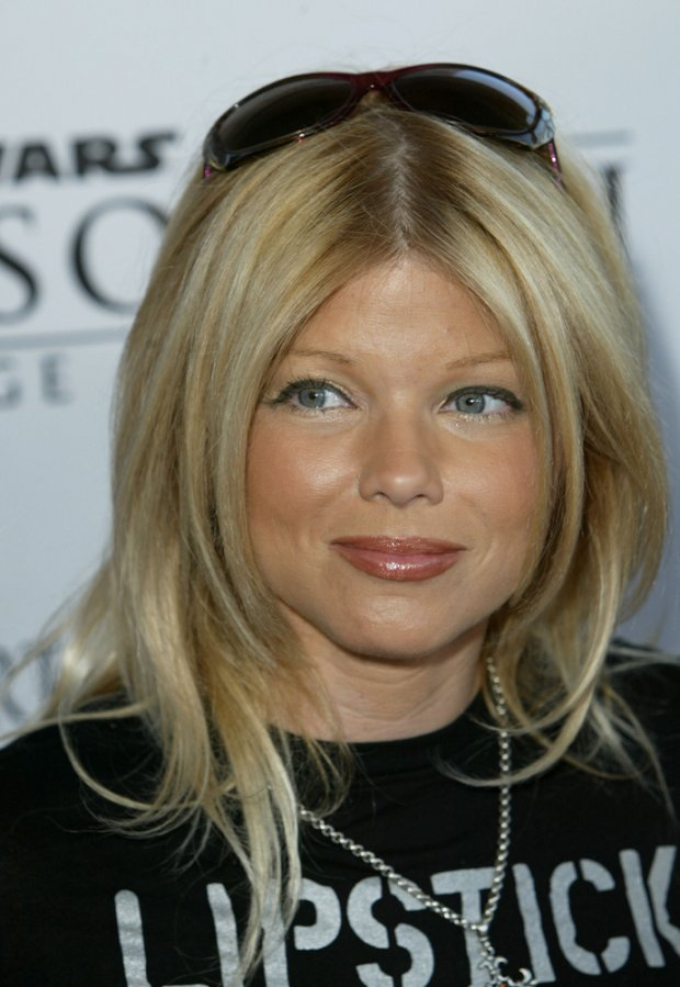 Donna D'Errico w 2005