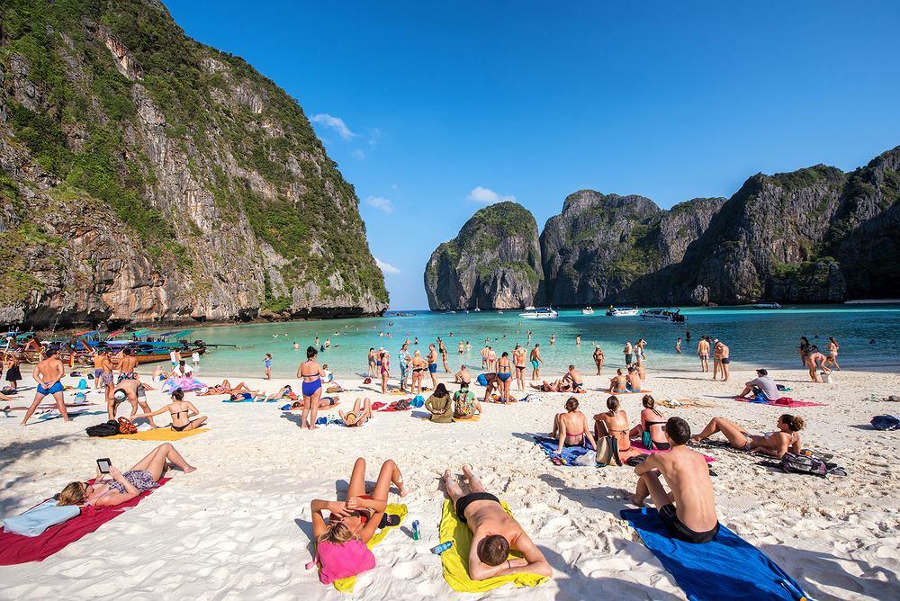 Tajlandia wprowadza zakaz stosowania przez turystów kremów do opalania zawierających szkodliwe substancje chemiczne