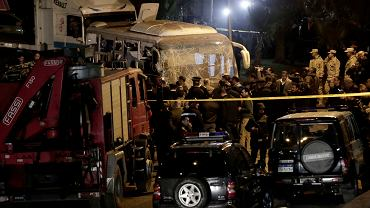 Egipt. W zamachu bombowym na autobus turystyczny zginęły trzy osoby, 11 zostało rannych