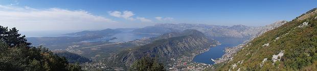 Czarnogóra. Widok na Zatokę Kotorską i miasto Kotor