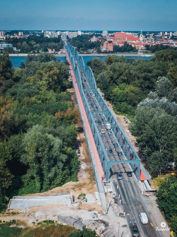 Zdjęcie numer 3 w galerii - Modernizacja mostu im. Piłsudskiego za 123 mln zł. Tak wygląda z drona