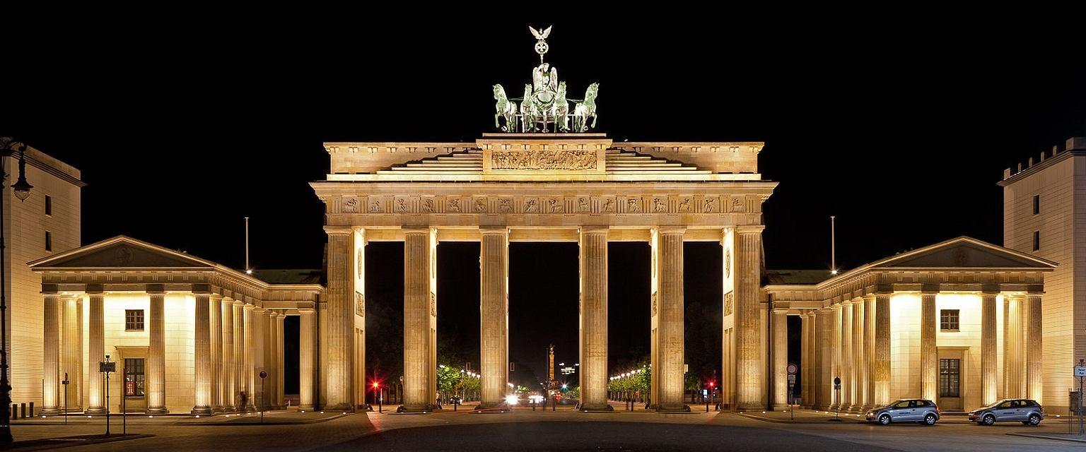 Brama Brandenburska w Berlinie (By Thomas Wolf, www.foto-tw.de [CC BY-SA 3.0/Wikimedia Commons])