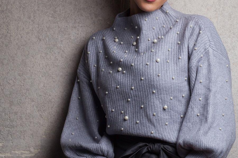 sweter perły
