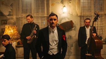 Dawid Podsiadło na planie serialu Canal+ pod tytułem 'Król'