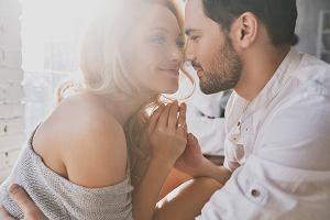 Którego dnia i o jakiej porze kocha się najwięcej par? Wtedy zostaje poczętych najwięcej dzieci