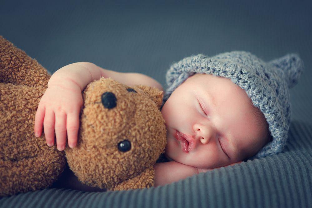 Od urodzenia do ukończenia pierwszego roku życia dziecko jest niemowlęciem, ale pierwsze urodziny to granica umowna