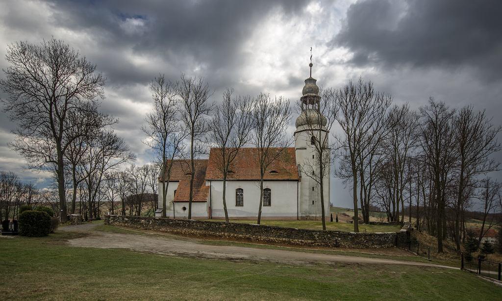 Kościół w Pomocnem