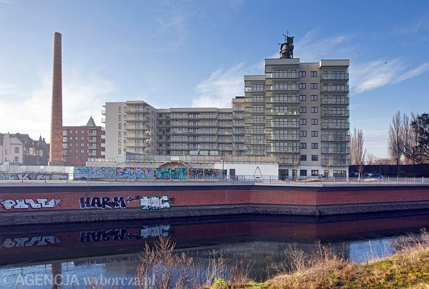 Osiedle na terenie dawnego Browaru Piast. Nowe budynki powstają obok historycznej zabudowy