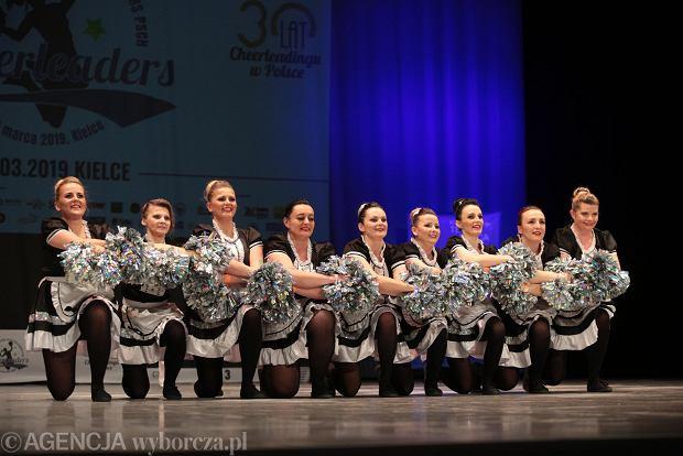 Zdjęcie numer 7 w galerii - Cheerleaderki rywalizują w Kielcach. Bo taniec nie jedną ma twarz [ZDJĘCIA]