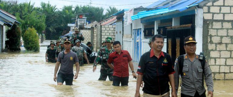Zabójcza powódź w Indonezji. Rząd wprowadził stan wyjątkowy