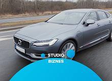 W Studiu Biznes dzisiaj prawie 400-konna hybrydowa limuzyna. Jak jeździ Volvo S90 T8?