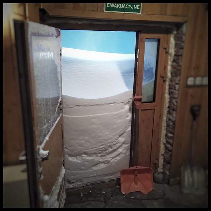 Zdjęcie zostało wykonane na Kasprowym Wierchu w Wysokogórskim Obserwatorium Meteorologicznym Instytutu Meteorologi i Gospodarki Wodnej - Państwowy Instytutu Badawczy