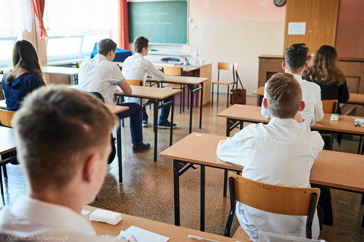 Egzamin Gimnazjalny 2019 Co Zabrac I Jakie Rzeczy Mozna Miec Ze Soba Na Sali Egzaminacyjnej