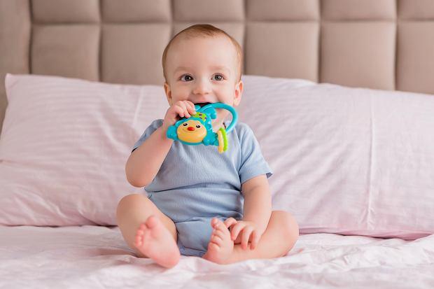 Ząbkowanie u dziecka. Sprawdź, jakie są jego objawy i ile trwa ząbkowanie