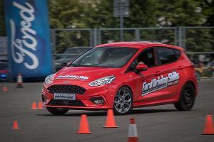 Gratka dla tysięcy młodych kierowców, czyli sześć dni bezpłatnych szkoleń Ford Driving Skills for Life