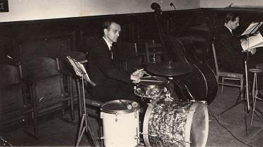 Dziadek Edek perkusista
