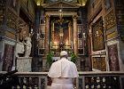 We Włoszech przybyło wczoraj 2,85 tys. chorych. Ale rośnie też liczba zdrowiejących. Papież Franciszek wyrusza w pielgrzymkę pokutną