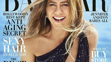 Jennifer Aniston ma 50 lat, pozuje topless i zdradza swój sposób na boską sylwetkę