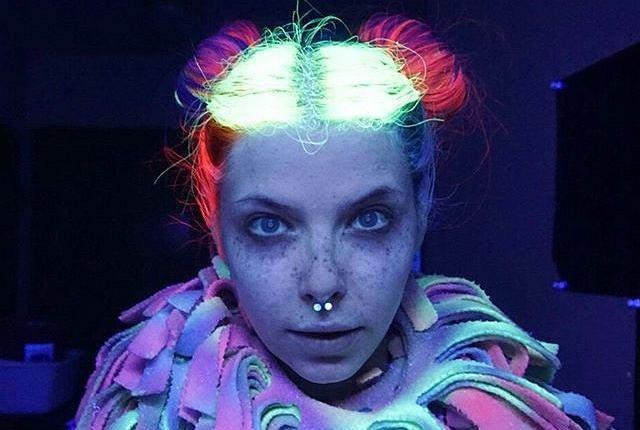 Włosy świecące w ciemności