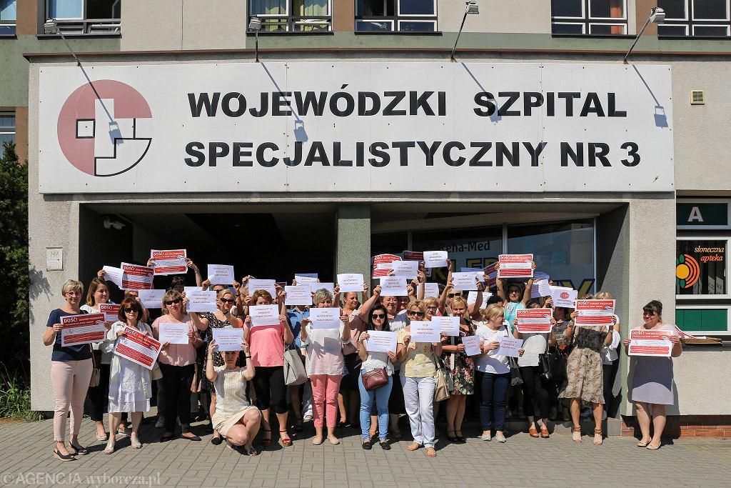Rok temu pracownicy szpitala w Rybniku protestowali. Dziś mają nową szefową