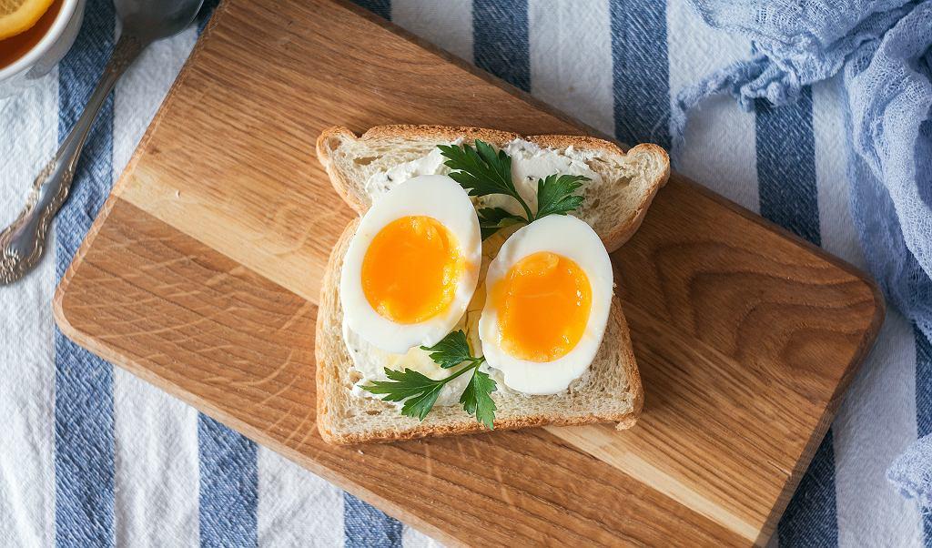 Wokół jajek urosło wiele kontrowersji - jeść czy nie jeść? Pytamy ekspertkę