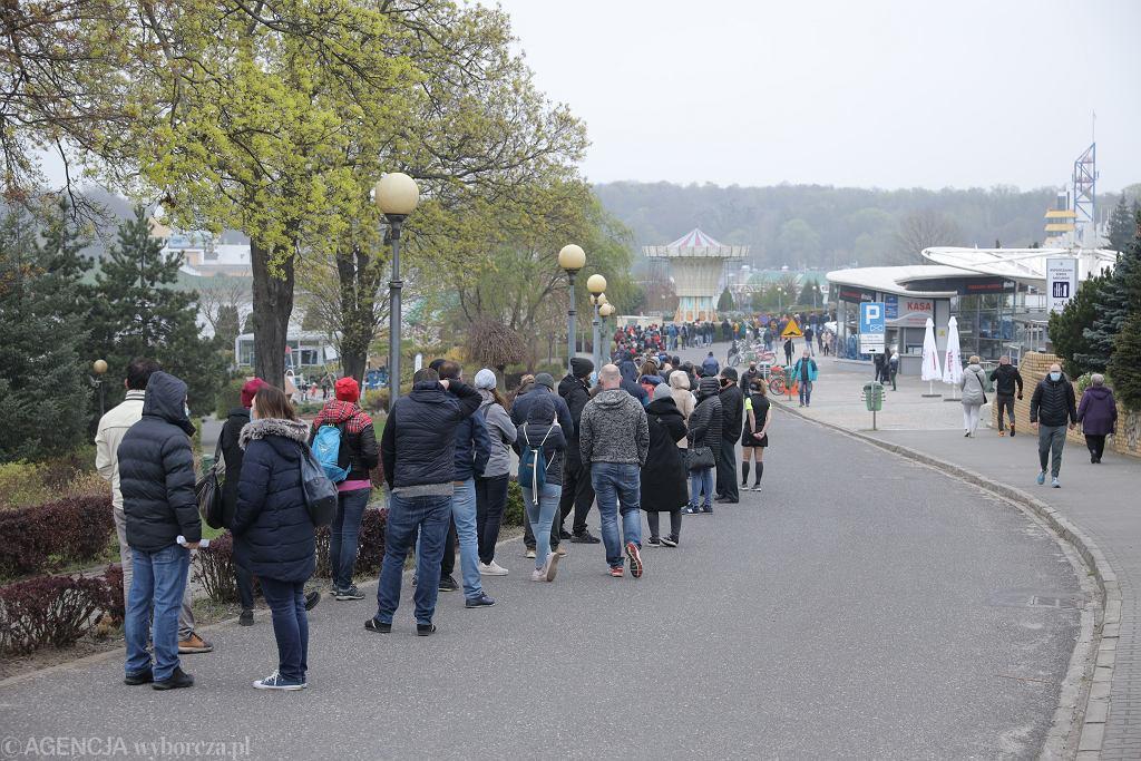 Poznań. Akcja 'Zaszczep się w majówkę'